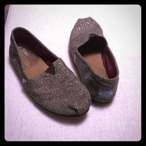 Toms brown herringbone with gold threads